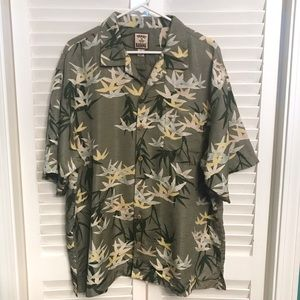 Tommy Bahama 100% silk button down Hawaiian Shirt
